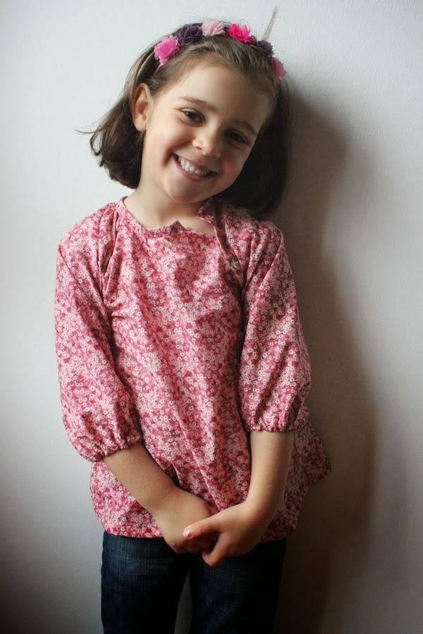 blusa infantil con tela Liberty