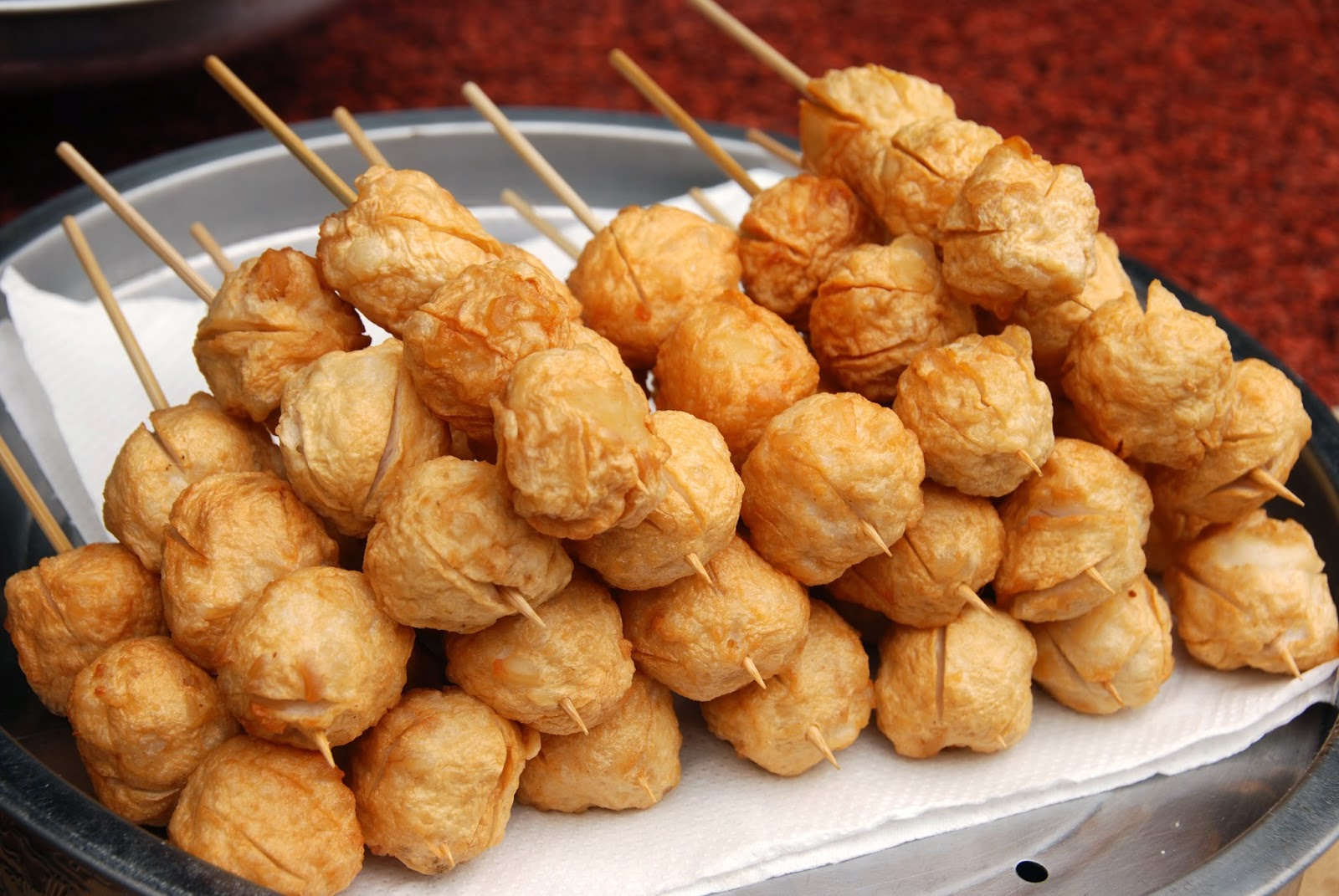 The pound for pound hitlist 10 famous pinoy pulutan for Chinese fish balls