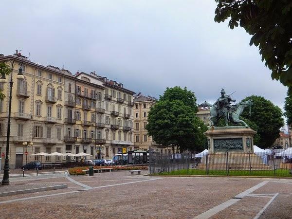 Turin Italie Via Garibaldi balade piazza solferino