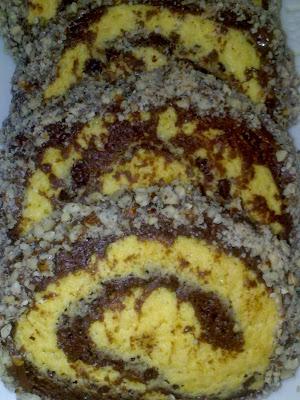 biscotti bicolore con granella di nocciole