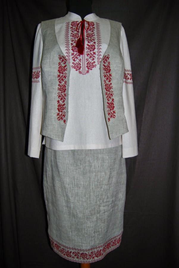 Вышитый комплект из серого льна - женская вышиванка и вышитый жилет