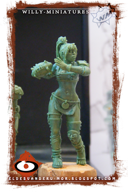 Blood Bowl Amazon Team Thrower miniature by ªRU-MOR for WILLY Miniatures