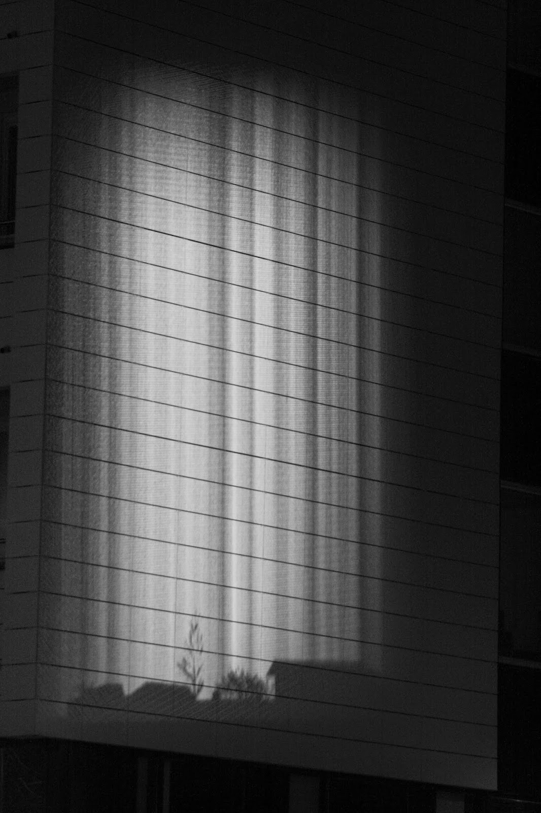 light, shadow, hämeenpuisto, tampere, black and white,