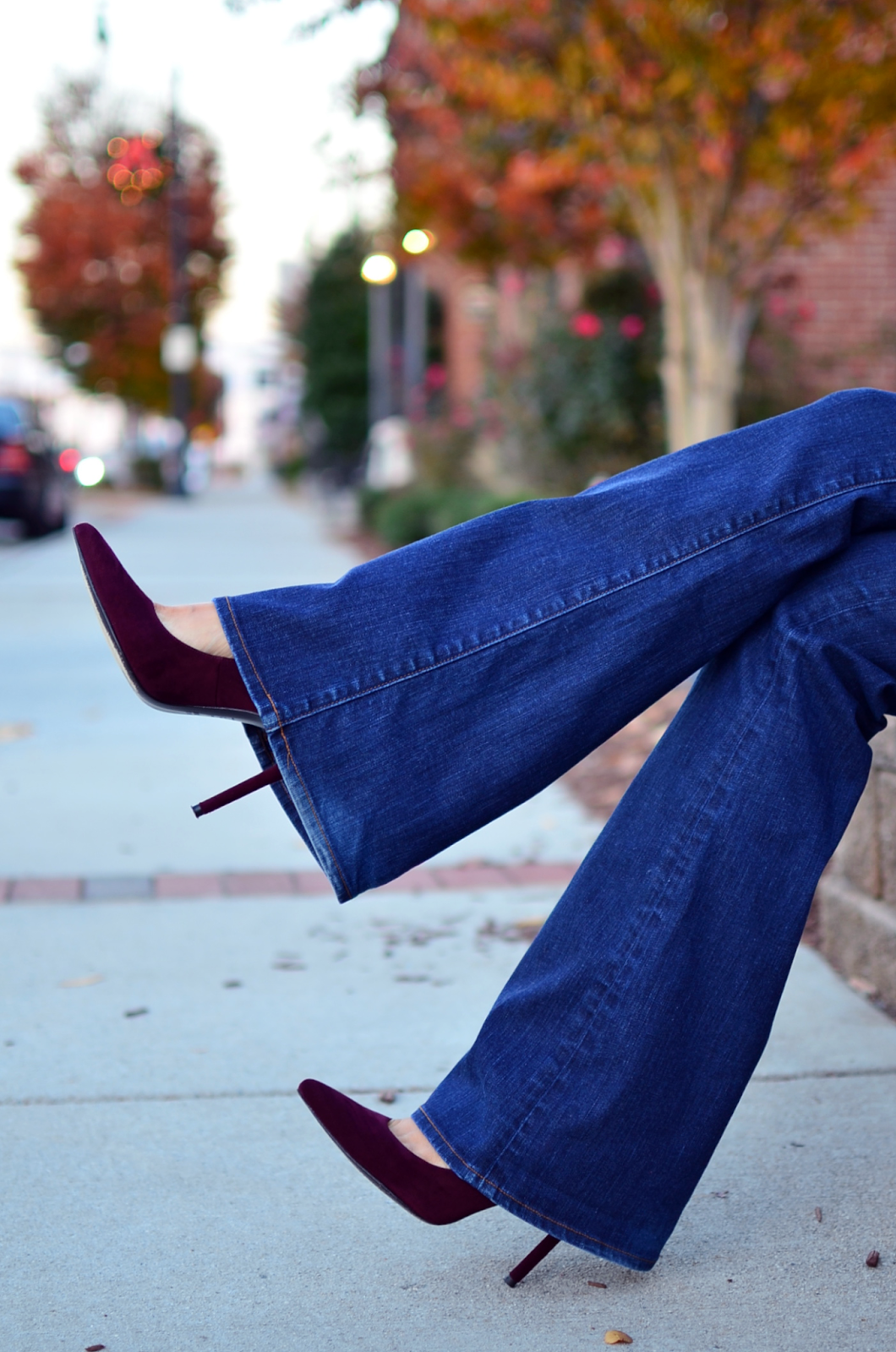 Flared jeans with pointy toe pumps