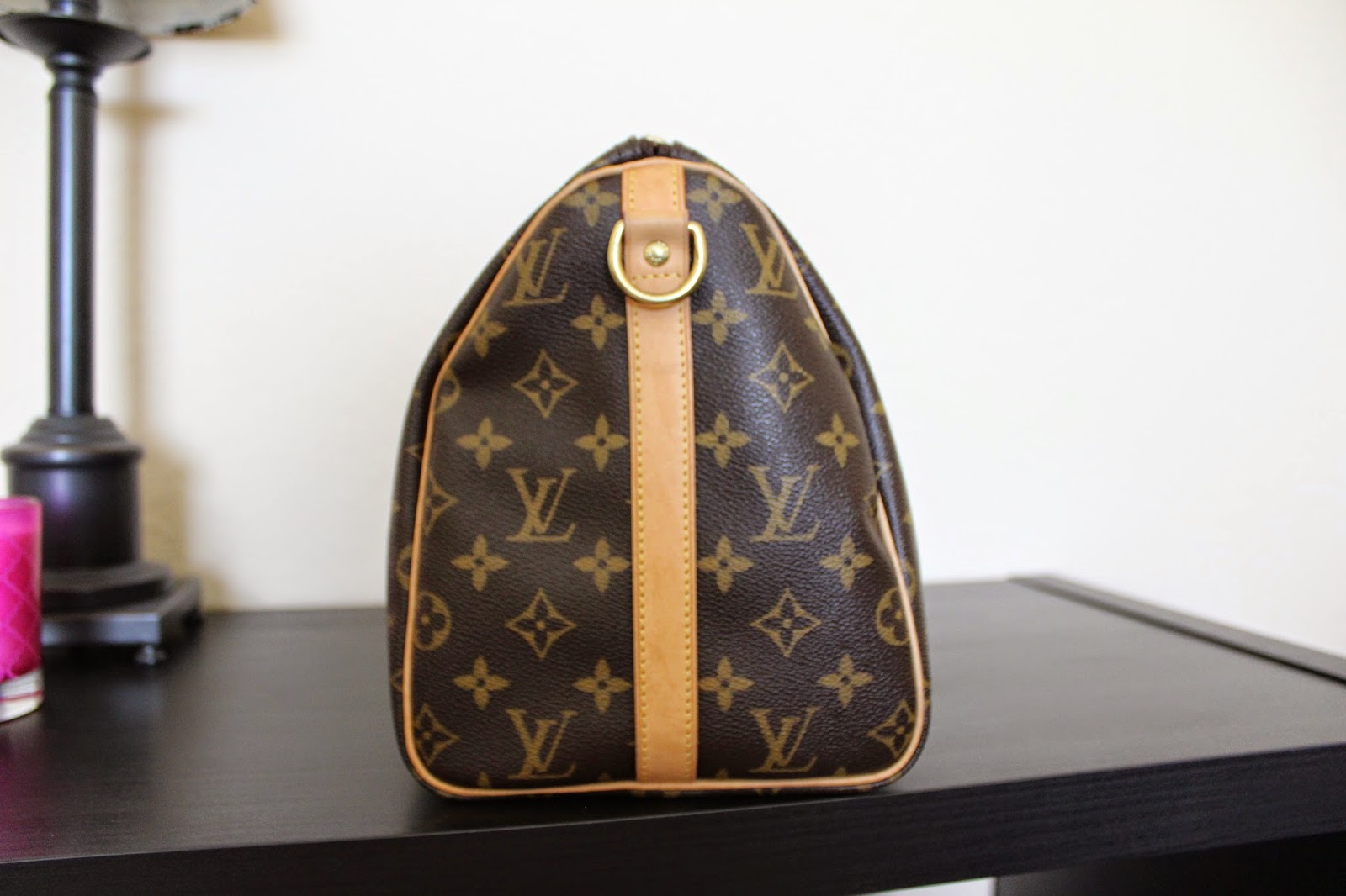Side of Louis Vuitton Speedy Bandoulière 30