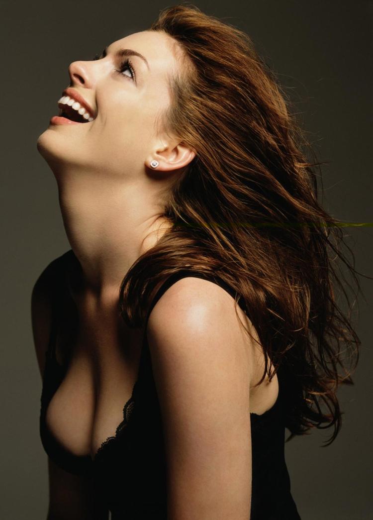 Anne Hathaway Hair 5