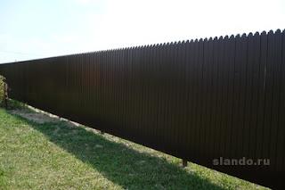 Забор из фигурного профлиста (резная кромка). Фото 7