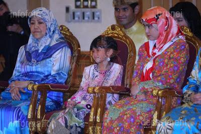 Gambar Terkini Anak Sultan Brunei Abdul Wakeel Dan Ameerah Wardatul