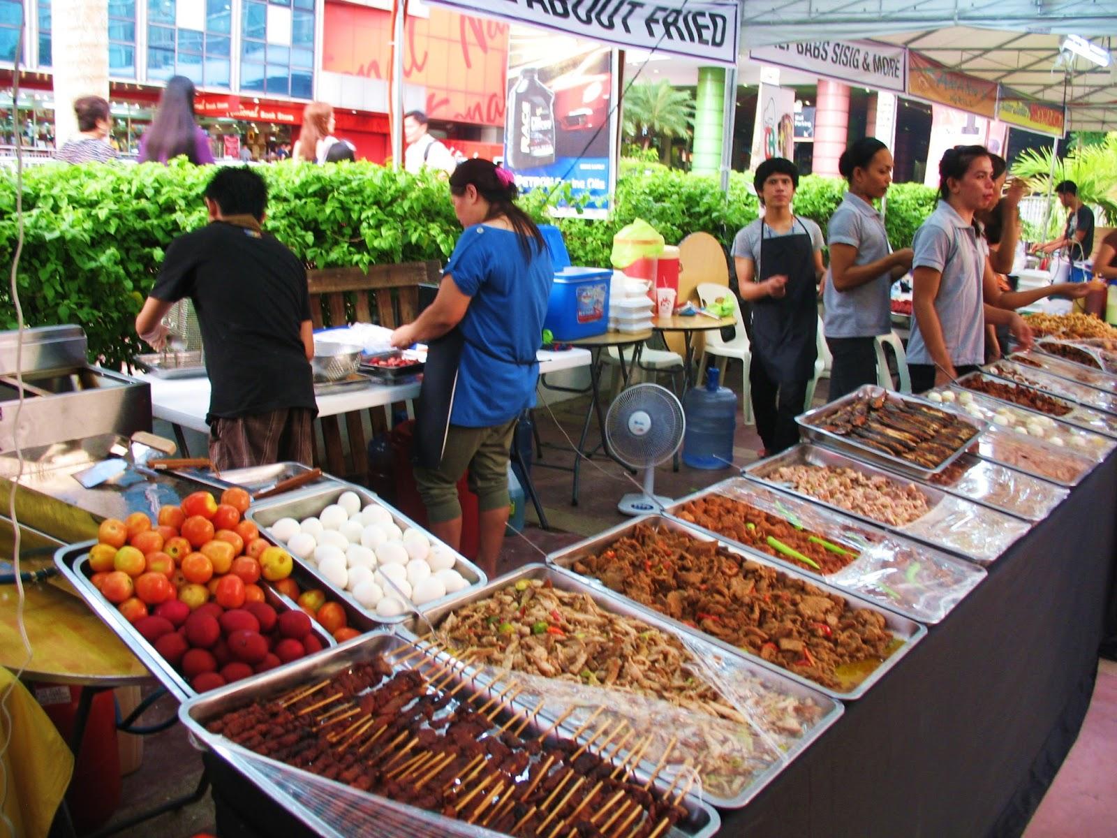 Gridcrosser grubs greasy easy good outdoor food market for Outdoor food market