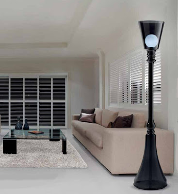Indoor lamp post floor lamp