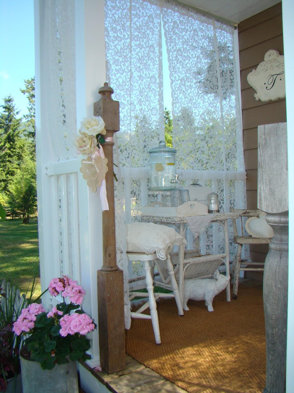 Shabby chic tiny retreat my tiny porch makeover for Shabby chic porch ideas