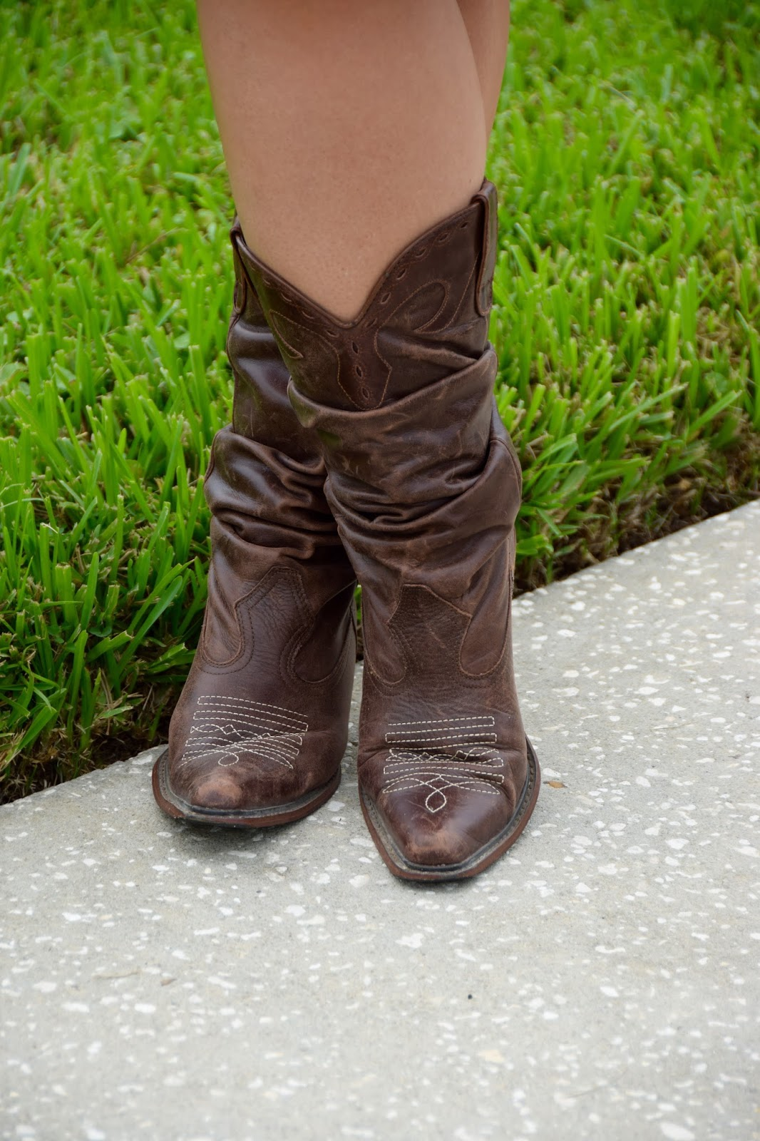 She\'s Gone Country... Look at Them Boots - Girl Meets Bow