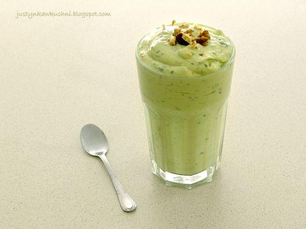 avocado, awokado, coktail, Drugie śniadanie, Fit, jogurt, Koktajle i smoothies, minerały, odchudzający, owoce, pietruszka, przepis, zielony, Śniadanie,