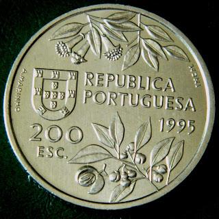 Серия монет с парусниками и кораблями первооткрыватели и мореплаватели Португалия 200 Эскудо открытие Молуккских Островов