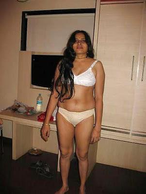 ... desi bhabhi naked photos boobs pussy sex pics | Hot Cougar Moms Porn