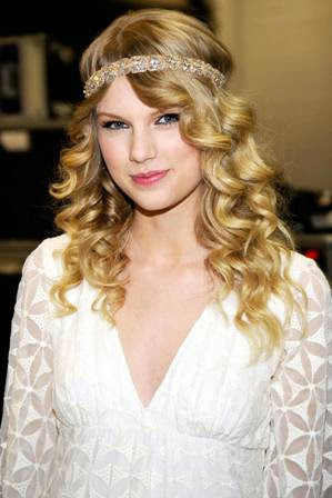 foto taylor swift di acara Academy Of Country Music Awards 2009