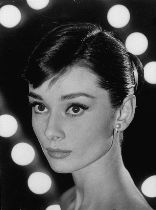 eclectic romantic 20th century darlings audrey hepburn. Black Bedroom Furniture Sets. Home Design Ideas