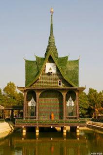 Templo de Um Milhão de Garrafas