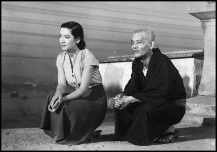 Setsuko Hara y Chishu Ryu en Cuentos de Tokio (Ozu Yasujiro, 1953)