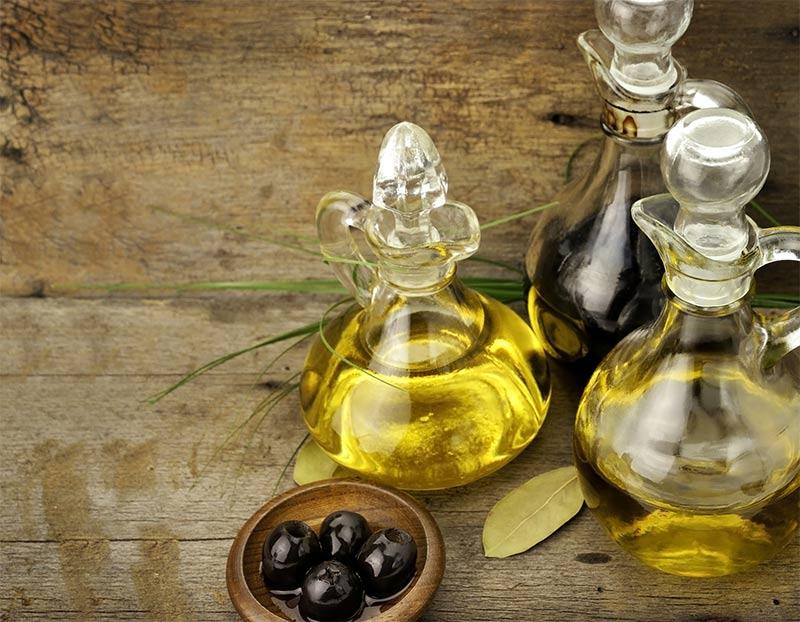 فوائد زيت الزيتون للجسم olive-oil.jpg