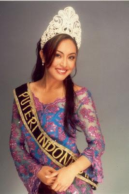 foto Angelina Sondakh saat jadi putri indonesia