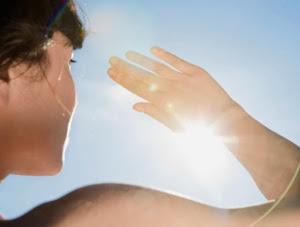 Cerahkan Kulit yang Menggelap Akibat Sinar Matahari