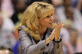 Head coach Sherri Coale of the Oklahoma Sooners during the Women's Final Four Semifinals at the Alamodome on April 4, 2010 in San Antonio, Texas. (April 3, 2010 - Source: Jeff Gross/Getty Images North America)
