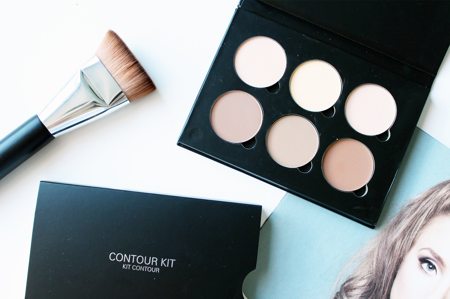ANASTASIA BEVERLY HILLS | Contour Kit in Light - CassandraMyee