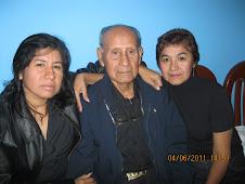 Papá viejo y sus lindas sobrinas...