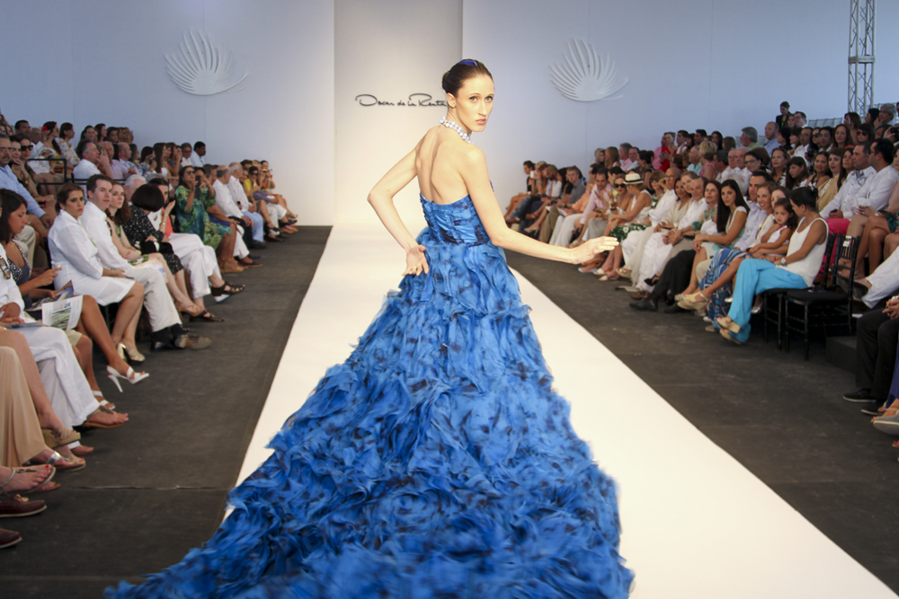 Oscar De La Renta Designs Skirts With Lee Jofa For Auction as well Best Resorts In The Dominican Republic likewise Les Garcons De La Piscine Cfnm moreover cid perfume Am Lid o Am Pid 74111w  products additionally Fun Facts. on oscar de la renta dominican republic