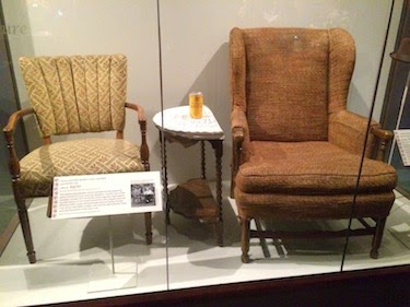 Chuck and Lori's Travel Blog - Archie and Edith Bunker's Chairs