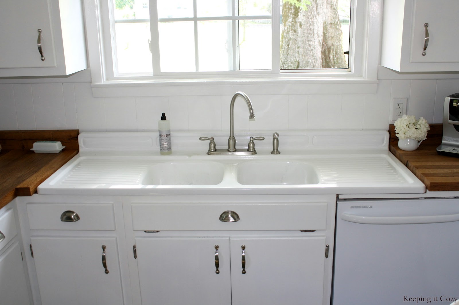 Kitchen Sink Countertops : Remodelaholic country kitchen with diy reclaimed wood