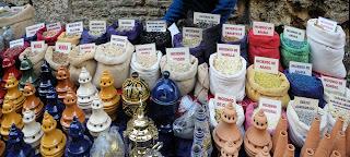Sevilla - Tipos de incienso y artilugios para su quema