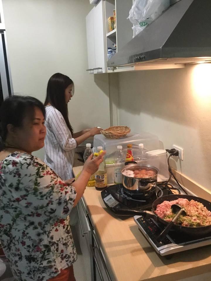 Produksjon av mat til hjemløse.