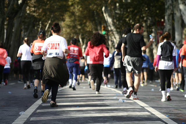 The Istanbul Eurasia Marathon 2012, Runners heading towards Dolmabaçe.