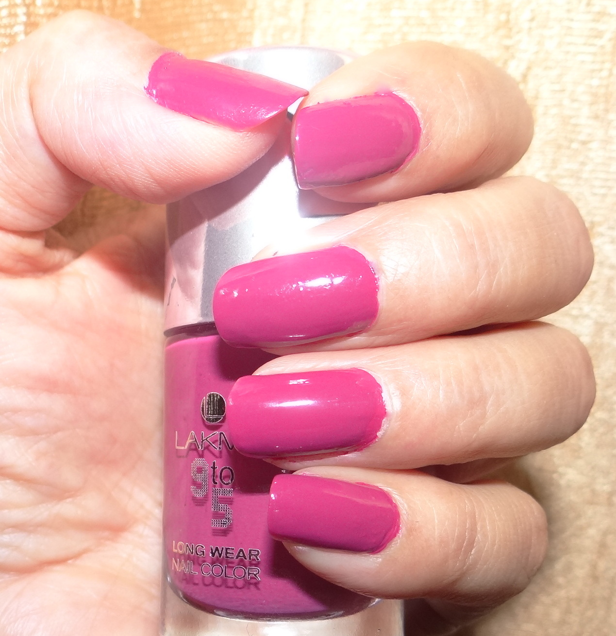 Be 9 to 5 ready with Lakme Nail colors