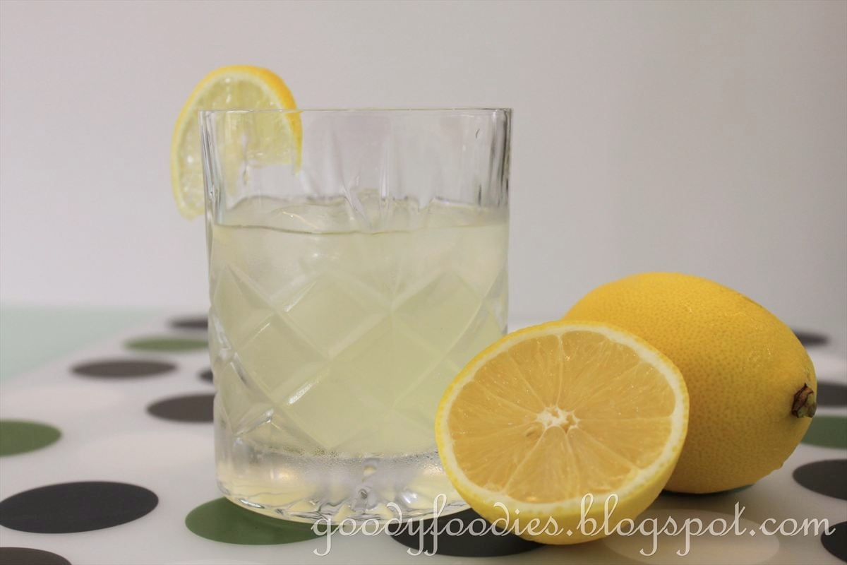 GoodyFoodies: Recipe: Homemade old-fashioned lemonade