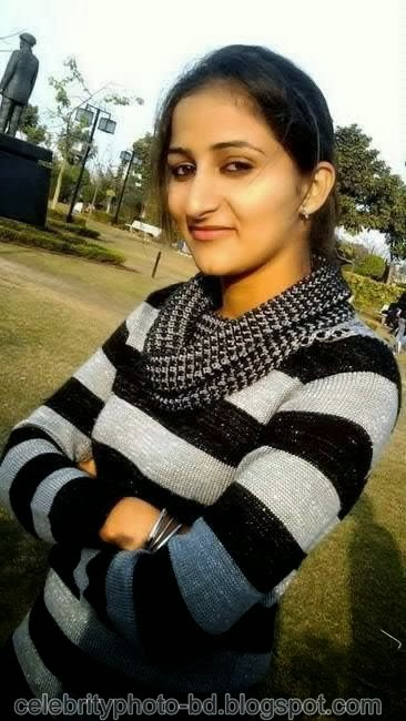 Deshi+girl+real+indianVillage+And+college+girl+Photos047