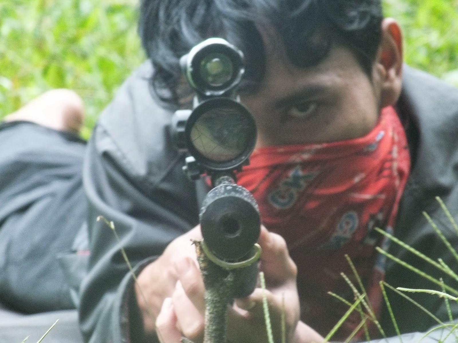 Belajar Membidik Dan Pegang Senjata