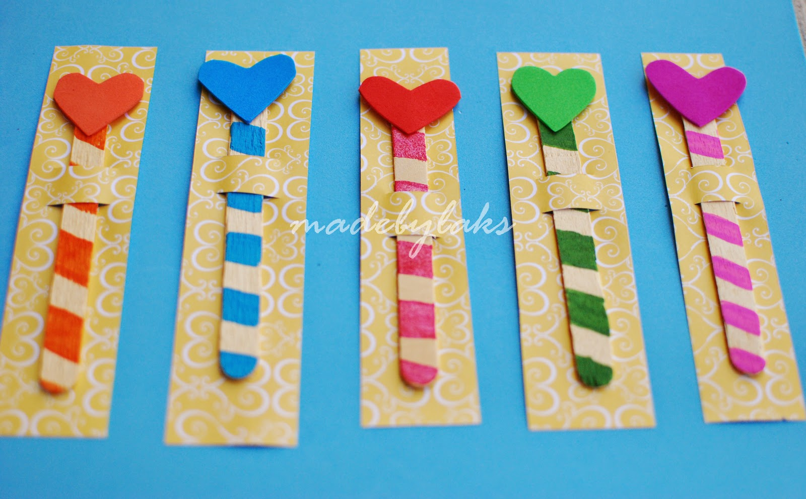 Heart bookmark simple homemade gift for the class made How to make a simple bookmark