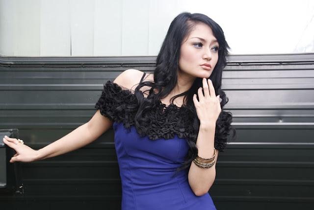 Siti Badriah - igambarseleb.blogspot.com
