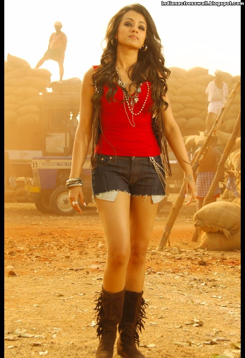 trisha krishnan latest new hot n spicy photos stills teen maar 001 Blue mania s teen