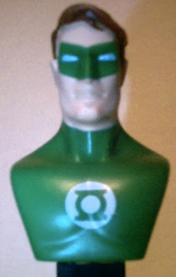 Close up of Green Lantern bust PEZ face