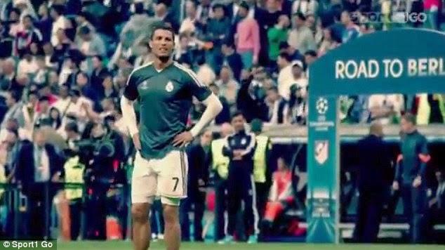 Ronaldo Meberikan Kaos ke Suporter Cilik yang Terkena Bola