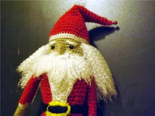 Papá Noel maraca amigurumi de crochet