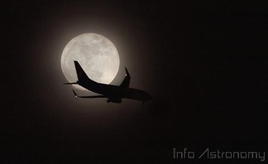 Bulan Akan Nampak Lebih Besar Malam Ini