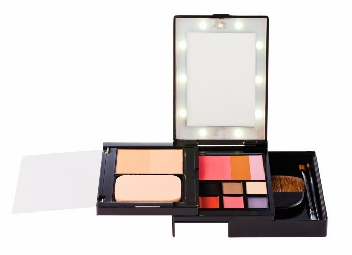 GlamPact makeup kit