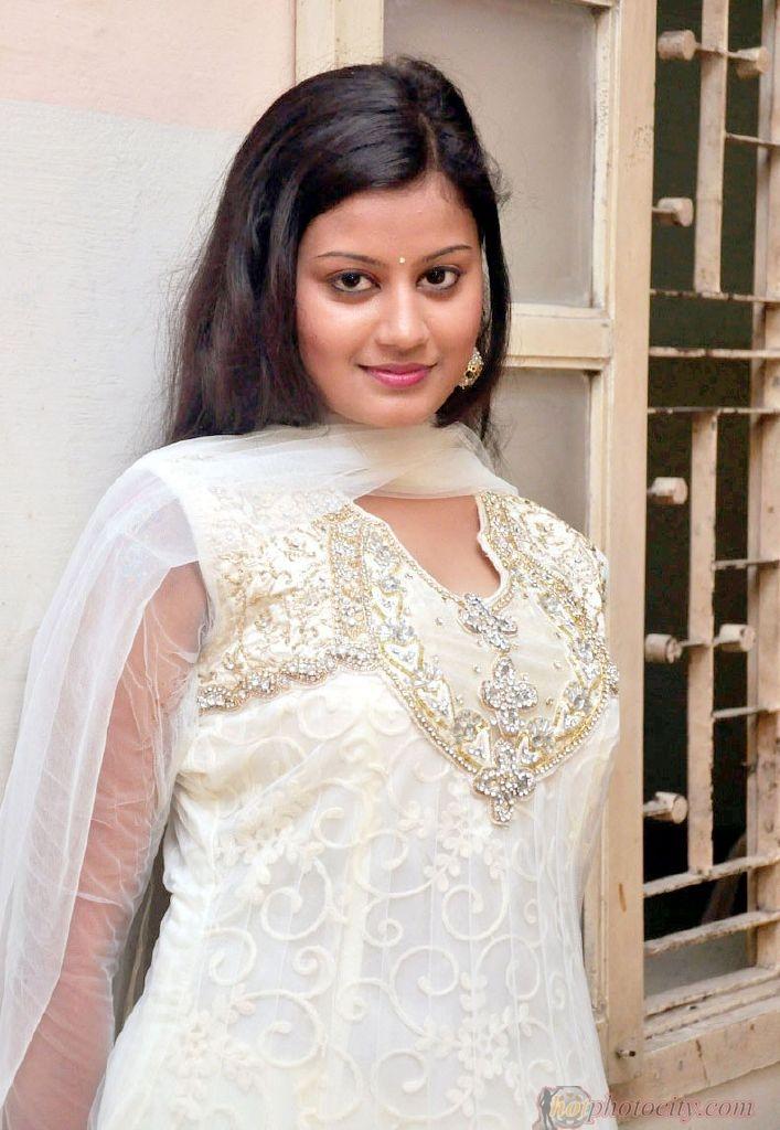 Pin Malayalam Actress Kundi Photos Kamistad Celebrity Pictures Portal ...