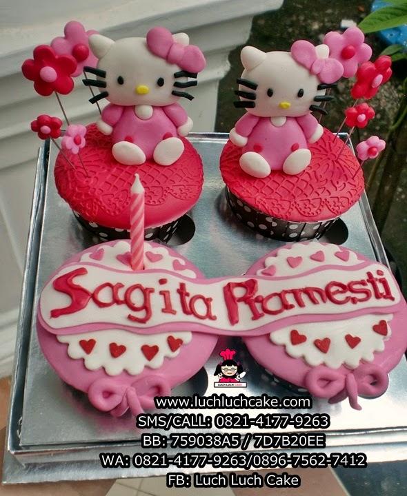 Cupcake Hello Kitty Untuk Ulang Tahun Pacar Daerah Surabaya - Sidoarjo