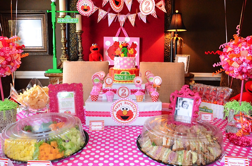 Polka Dot Birthday Supplies, Decor, Clothing: Michelle's Pink